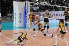 GO4G1184_R.Varadi_R.Varadi (Robi33) Tags: game sport ball switzerland championship team women action basel tournament match network volleyball volley referees