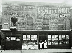 Ellis' General Stores on Great Dover Street, 1914 (London Metropolitan Archives) Tags: street industry photograph shops ww1 trade edwardian
