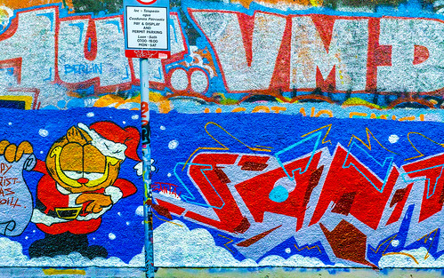 STREET ART AT WINDMILL LANE CHRISTMAS 2014 REF-100875