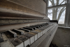 Mi Seh Kuff Kaff Kwenko, Ky Ky, Di way di Wickedness increase it Mek di Pope Cry (RiddimRyder) Tags: windows house ontario abandoned beauty rural canon vintage keys antique decay details piano ivory urbanexploration peel derelict abandonment ebony urbex furtinure riddimryder