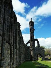 St. Andrews (phozuppel) Tags: scotland kathedrale wolken ruine standrews schottland etwasaltes 52wochenfotochallenge