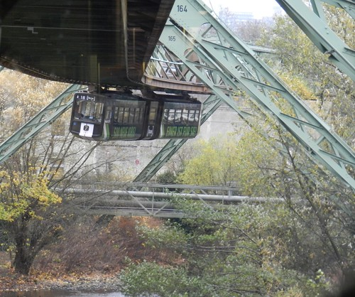 Oncoming elivated train demonstrates why there only is one Schwebebahn