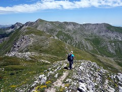 On the ridge between Monte Ginepro and Monte del Passeggio (markhorrell) Tags: walking lazio apennines montiernici
