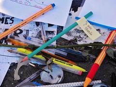 14 - Crayons en soutien aux dessinateurs et caricaturistes (12/01/15). (AMToulouse) Tags: toulouse placeducapitole archivesmunicipales jesuischarlie 13novembre2015 tmoignagesattentats