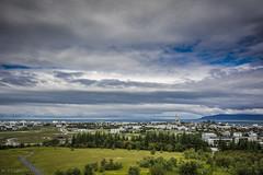 Reykjavik (Mauro Esains) Tags: islandia reykjavik agua ciudad cielo lago paseo casas parque patos reflejosarboles aire libre gran angular nikon sigma nube perlan