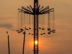 "Star Flyer ""Alex Airport"" - Goetzke (Schumburg-Photography) Tags: kettenkarussell karussell carousel kirmes volksfest rummel fair funfair funtime sunset herne nrw ruhrgebiet"