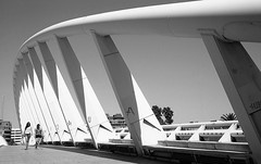 * (Johuhe) Tags: bridge crossing walking people geometry architacture valencia spain monochrome bw blackandwhite film analogue leica m2 kodak tmax xtol epson 500