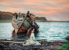 Kerrera (Marina Gondra) Tags: kerrera isleofkerrera boat abandoned ship marinagondra scotland escocia uk isle sea water sand beach wild wind sailor woman selfportrait nikon photoshop twilight
