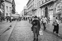 Milano - Ottobre 2016 (Maurizio Tattoni....) Tags: italy lombardia milano street persone bn bw blackandwhite biancoenero monocrome leica mauriziotattoni
