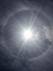 Halo solar (juandesant) Tags: sun sol arcoiris solar rainbow halo lensflare flare parhelion circular parhelio