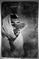 purgatoire. (hr.plastique) Tags: portrait blackandwhite selfportrait art monster myself photography autoportrait noiretblanc blackandwhitephotography photooftheday artphotography negroyblanco imaginaire i canon550d