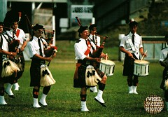 Pipe Band Christchurch 1988 V1.11-tweed jacket photos (The General Was Here !!!) Tags: christchurch scotland photo pix kilt 1988 scottish marching kiwi kilts 1980s piping drill pipers chanter pipeband drones kiwiana scottishmusic inuniform addingtonshowgrounds scottishmusichighlandmusic