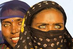 Four diamonds in Pushkar. (Bertrand Linet) Tags: india eye eyes women asia pushkar gypsie rajasthan inde kalbelia womenindia womanindia bertrandlinet