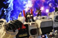 Battle on Cybertron (particular) (Giovanni V.) Tags: prime transformers g1 optimus generations fortress takara megatron masterpiece maximus hasbro prowl frenzy ths soundwave starscream cy