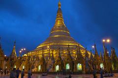 Estupa de la Pagoda de Shwedagon, en Rangn (Myanmar-Birmania), 2005. (Luis Miguel Surez del Ro) Tags: pagoda shwedagon myanmar oro birmania estupa rangn