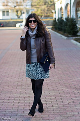 leopard dress, sweater, leather jacket-2.jpg (LyddieGal) Tags: winter brown black fashion outfit navy tan gap style leopard wardrobe chevron wallis leatherjacket rayban thrifted clarev ccskye weekendstyle