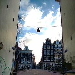 Alley (J3r03n1m0) Tags: amsterdam canals bloemgracht canalhouses