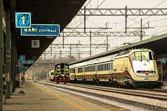 "1_Massimiliano Giandomenico - FrecciaBiancoRossa_StazioneBariCentrale_2 • <a style=""font-size:0.8em;"" href=""http://www.flickr.com/photos/68353010@N08/16125065710/"" target=""_blank"">View on Flickr</a>"
