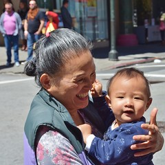 San Francisco Chinatown - Grandma and baby (stevelamb007) Tags: sanfrancisco california baby smiling happy nikon chinatown grandmother streetscene nikkor18200mm d7200
