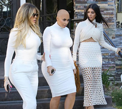Kardashians (marisabuffagni) Tags: cute kim bare smooth shaved bald pomo cropped buzzed zero clipper jovanka scalp macchinetta liscia calva rasata tosata kardashian pelata rapata