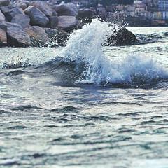 IMGP1998d (maurizio siani) Tags: sea italy italia mare colore pentax napoli acqua lungomare onde onda scogli intenso schiuma caracciolo k30 naplles