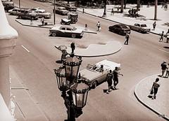 Flotando en el tiempo. (Olgui_SB) Tags: habana cuba prado farol auto old viejo gente street