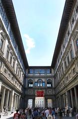 Galleria degli Uffizzi (davizorzi) Tags: galleria degli uffizzi museo museum gallery firenze florence toscana tuscany italy cielo sky palazzo palace