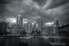 Rain Is Coming #1 - Vancouver, Canada (, ) (dlau Photography) Tags: rain vancouver canada   dock    lunch    travel tourist vacation visitor people lifestyle life style sightseeing   trip   local   city  urban tour scenery   weather   monochrome  blackandwhite black white    outdoor  flickrunitedaward soe sky