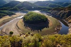 Meandro del Melero (dopaps) Tags: d90 lashurdes riomalodeabajo miradordelaantigua septiembre caceres meandrodelmelero paisaje landscape nikkor1755f28
