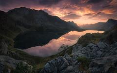Valle de Lago II (Asturias, Spain) (Tomasz Raciniewski) Tags: landscape sky panorama d3200 espaa atardecer sunset clouds reflection lake outdoor spain mountains valledelago somiedo asturias
