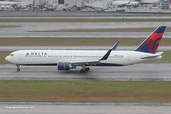 N179DN - 1991 build Boeing B767-332ER, arriving on Runway 08L at Atlanta (egcc) Tags: atlanta atl dal delta jackson 350 boeing 179 dl hartsfield b767 deltaairlines katl b767300 b763 25144 skyteam b767332er b767332 n179dn
