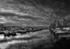 James Creek Marina, Washington DC (D. Scott McLeod) Tags: blackandwhite reflection dawn washingtondc dc districtofcolumbia scottmcleod jamescreekmarina dscottmcleod
