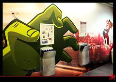Attention les mains ! (mamnic47 - Over 6 millions views.Thks!) Tags: paris graffiti main tags hulk toilettes poing portedeversailles img9848 petitcoin artistegraffeur parisxve salondelaphoto2014