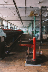 Avery. (jST.) Tags: urban mill wool yorkshire scales smell spinning dat mills exploration avery weighing woollen urbex