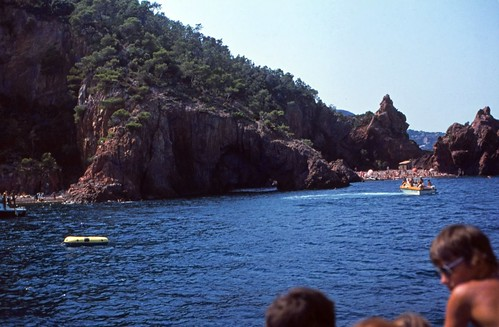 "107F Massif de l'Esterel • <a style=""font-size:0.8em;"" href=""http://www.flickr.com/photos/69570948@N04/15944005635/"" target=""_blank"">View on Flickr</a>"