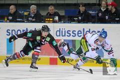 "DEL15 Düsseldorfer EG vs. Augsburg Panthers 28.12.2014 033.jpg • <a style=""font-size:0.8em;"" href=""http://www.flickr.com/photos/64442770@N03/16010029969/"" target=""_blank"">View on Flickr</a>"