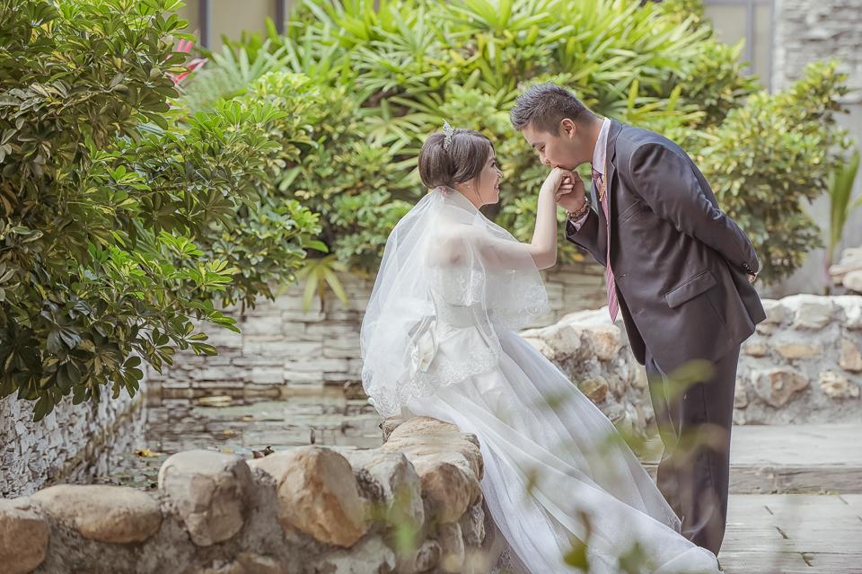 16084845202 90f29a485f o [高雄婚攝]J&J/香蕉碼頭海景宴會廳
