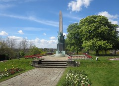 Bromley War Memorial (John Steedman) Tags: uk greatbritain england london unitedkingdom warmemorial bromley grossbritannien     grandebretagne