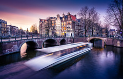 Keizersgracht (miguel_lorente) Tags: street city longexposure light holland water netherlands amsterdam night boat canal dusk keizersgracht
