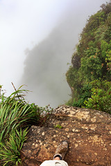 World's end (loddeur) Tags: outcrop cliff walking nationalpark highlands flora plateau hike trail jungle srilanka cloudforest endemic precipice escarpment hortonplains