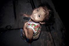 It's in the eyes - 02 (-clicking-) Tags: life cute childhood children eyes child streetphotography streetportrait streetlife vietnam dailylife lovely childish childlike vietnamesechildren
