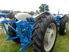 1960's Fordson Super Major Doe Triple D 3 (andrewgooch66) Tags: classic vintage veteran heritage preserved tractor tractors digger diggers crawler crawlers harvester harvesters agricultural plant machinery