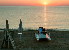 _DSC6631 (Giuseppe Cocchieri) Tags: summer estate sunrise alba sun sole colore colori colour mare sea beach spiaggia allaperto nikon nikkor seascape luce light o
