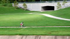 Houston Cyclist (MoniLizar) Tags: houston brays bayou bike hike trail panning