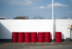 L1008216c (haru__q) Tags: leica m8 leitz summaron red drum 赤い ドラム缶