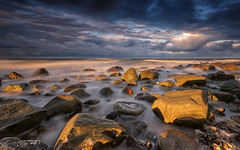 Sunset light (Stefan Sellmer) Tags: wind strande d750 nikon beachlife kste licht wasser light sunset outdoor steine wellen stones bluesky sonnenuntergang longexposure coast beach ostsee strandleben strand balticcoast balticsea water blk clouds waves kiel wolken sturm blk kste schleswigholstein deutschland de
