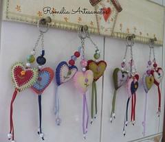 Chaveiros! (romelia.artesanatos) Tags: coração chaveiro feltros