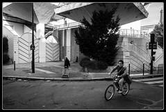 Au milieu des tours (Maestr!0_0!) Tags: street old people white black paris bike noir candid young rue blanc velo beaugrenelle