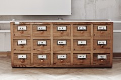 (nihilnocet) Tags: cabinet library catalogue drawers ef50mmf18ii cardcatalogue libslibs libraryinterior librarycabinet calalog nihilnocet librarydrawers
