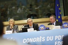 6me CoMarielle de Sarnez, Jean-Claude Juncker & Franois Bayroungrs du PDE (PDE-EDP) Tags: logo fb marielle rond banderolle juncker bayrou sarnez